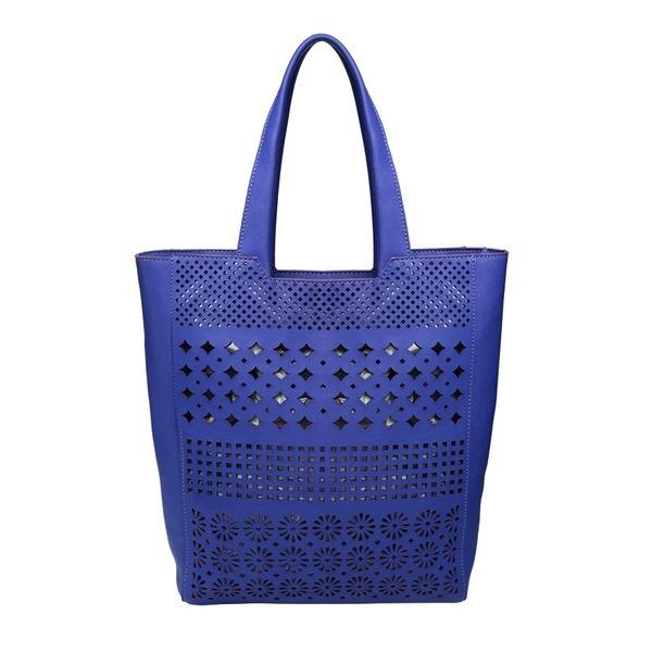 Восхитительные сумки тоут выглядят остромодно, дорого и актуально.